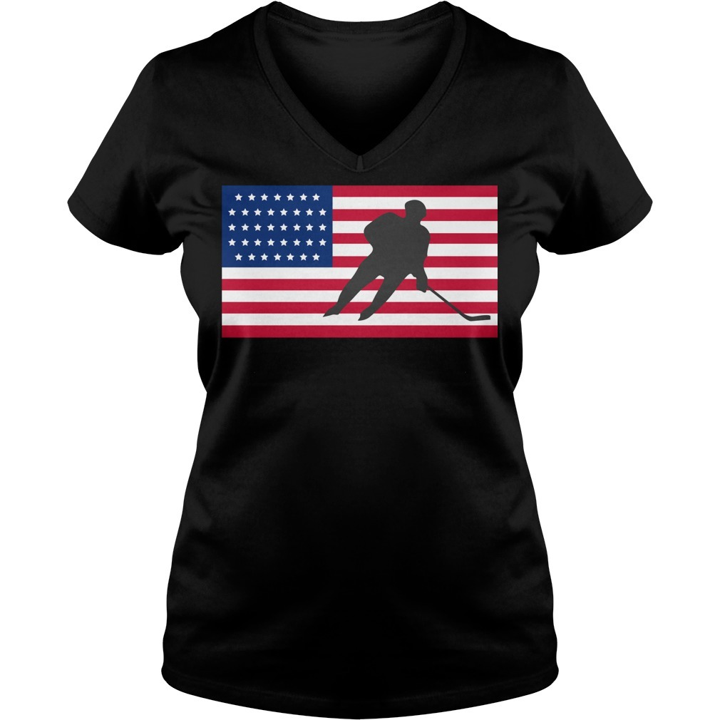 USA American flag hockey cool ice skating V-neck T-shirt