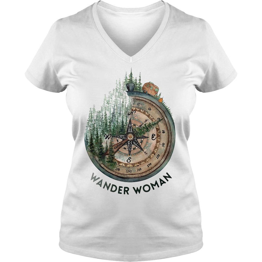 Wander woman loves camping V-neck T-shirt